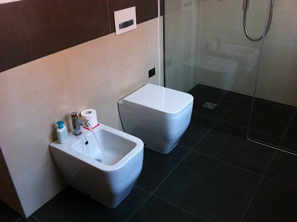 Rifacimento impianto bagno tecnolli impianti - Esempi ristrutturazione bagno ...